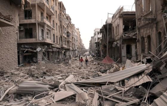 Esta y las siguientes imágenes muestran la destrucción sufrida por la ciudad de Alepo