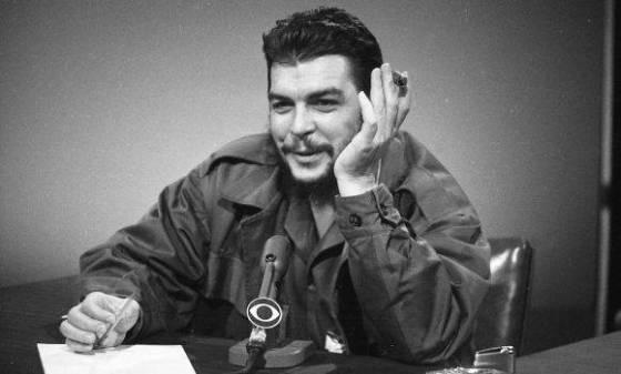 No ponemos condición de ninguna clase a Estados Unidos. No queremos que ellos cambien su sistema, dijo el Che en el programa. Foto: AP